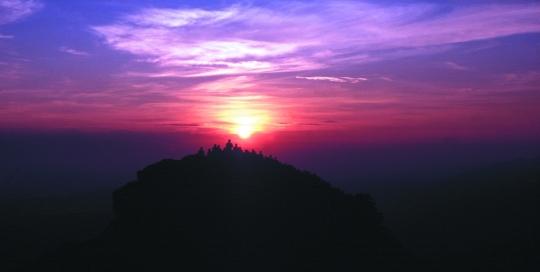 Sonnenaufgang auf dem Berg Mussala in Bulgarien